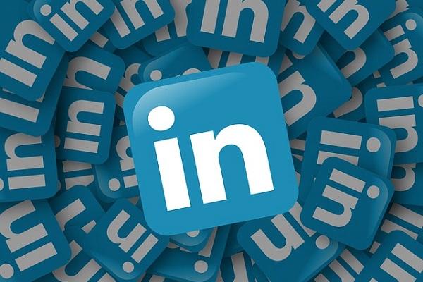 Improving SEO through LinkedIn