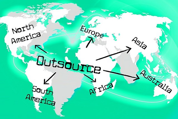 4 Invaluable Reasons to Outsource SEO Expert Services